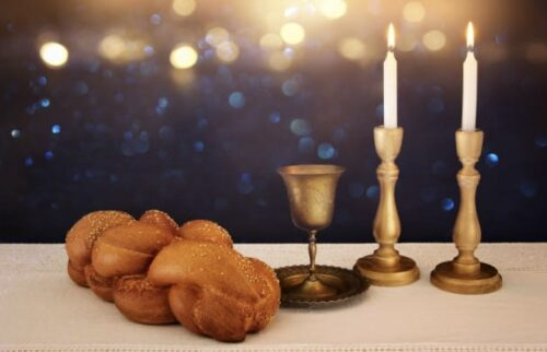 Celebrate Shabbat with your Riverdale Temple family.